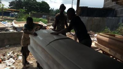 fabrication-de-cercueils.jpg