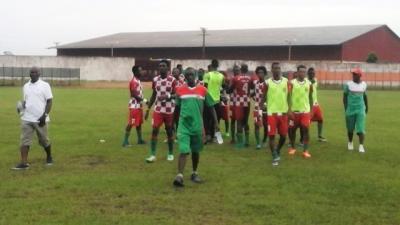 lequipe-de-lafrica-sport-ici-a-la-fin-de-la-rencontre-satisfaite-du-match-nul.jpg