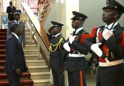 ouattara_honneur_presidentiel.jpg