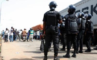 policiers-demobilises.jpg